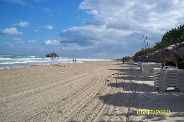 Пляж Playa de Oro