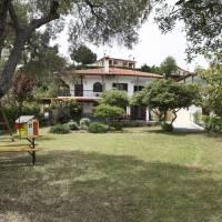 Neria Summer Houses