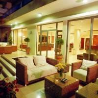 Hotel Angela Suites & Lobby