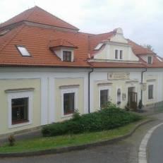 Zamecky hotel U Rajskych