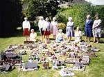 Великобритания: деревня Мешрем  продает свою вязанную копию