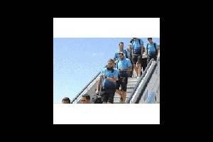 Испания: футболисты «Барселоны» просят, чтобы в полетах их обслуживали только девушки
