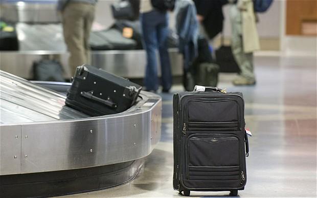 Великобритания: В аэропорту Гатвик самые ленивые грузчики