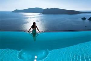 Греция: Санторини подтвердил репутацию самого красивого острова Европы