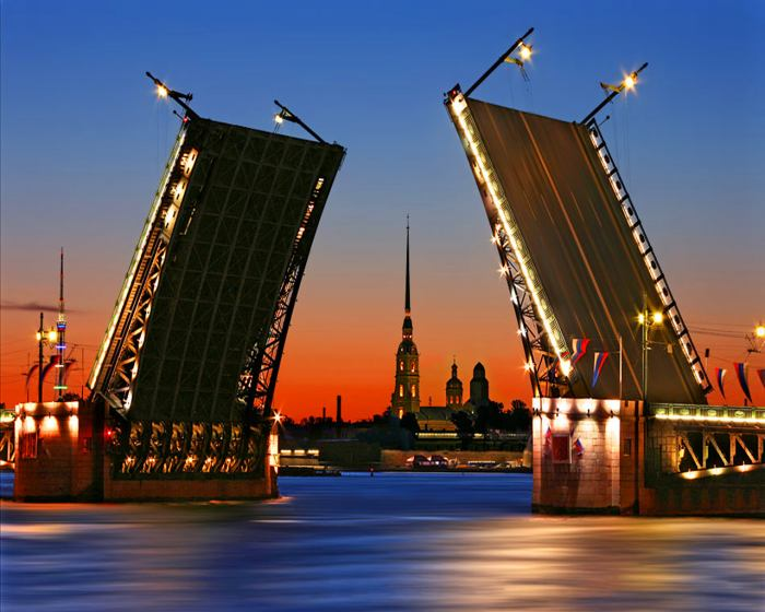 Великобритания отправит в Петербург тысячи туристов