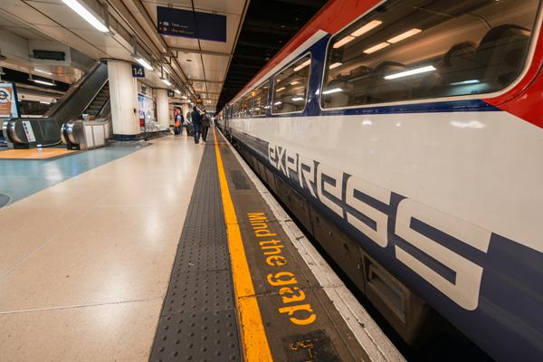 Великобритания: Gatwick Express — самый опаздывающий британский поезд