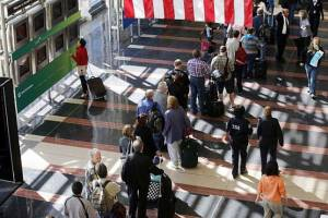 В аэропортах Копенгагена выросли очереди на паспортном контроле