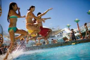 Турция будет платить за туристов и менять законы
