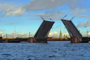 Сезон разведения мостов начался в Санкт-Петербурге