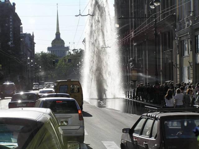 В Санкт Петербурге начинают работать фонтаны, Туристам Коломны, реконструкция где отдохнуть