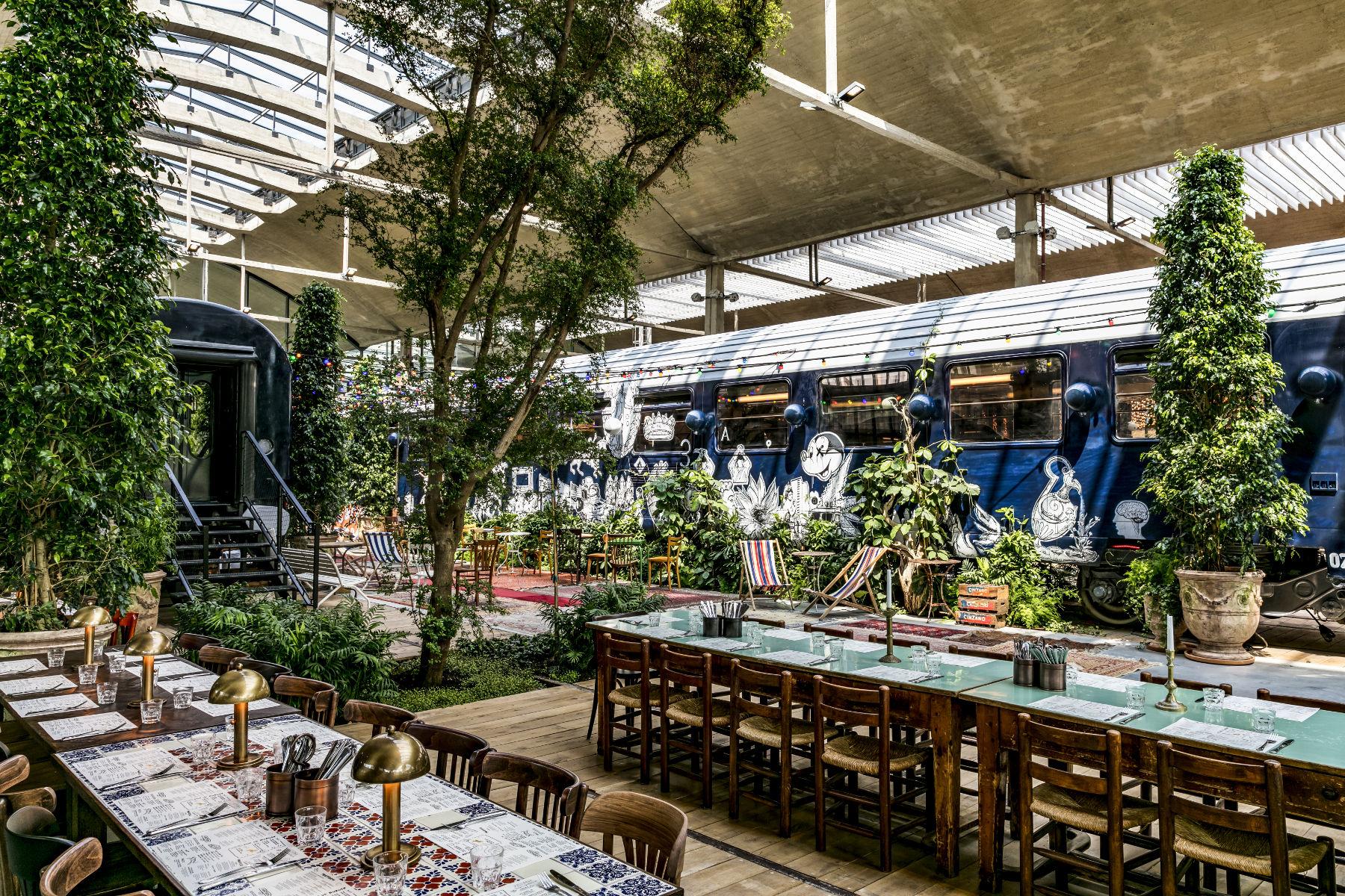 Самый большой ресторан в Европе открылся в Париже