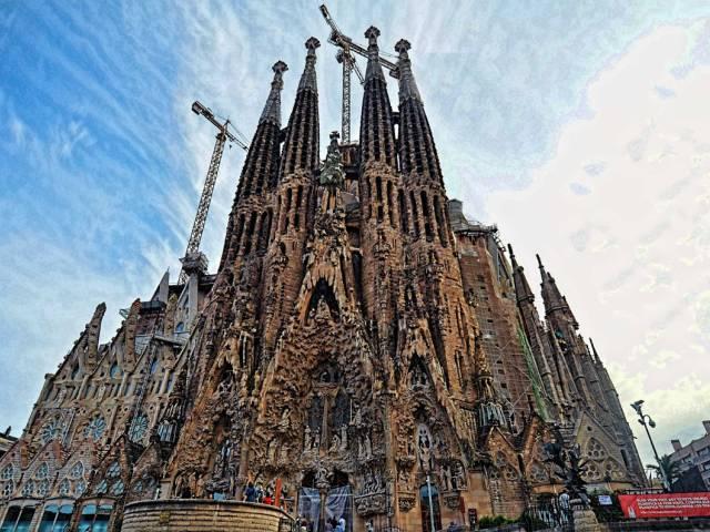 Стало известно, когда достроят Саграду Фамилию в Барселоне, Туристам Коломны, Туризм