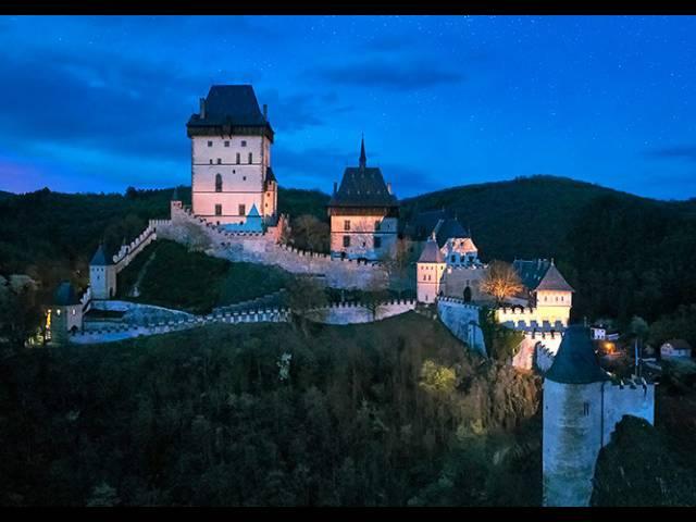 Один раз за все лето чешские замки не закроются на ночь, Туристам Коломны, Чехия Карловы Вары Достопримечательности