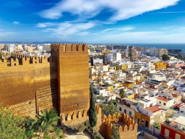 Выбрана новая гастрономическая столица Испании, Туристам Коломны, фестиваль Средиземное море Отдых Испания