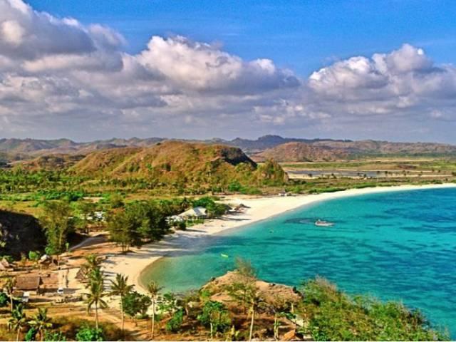 Стихийные бедствия отпугнули туристов от островов Индонезии, Туристам Коломны, Россия виза Аэрофлот