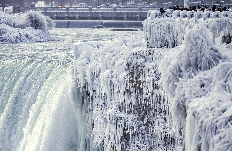 В США начал замерзать Ниагарский водопад, Туристам Коломны, США где отдохнуть водопад Америка