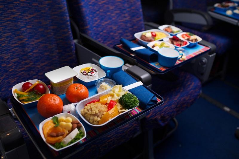 Стали известны любимые блюда и напитки россиян во время полета, Туристам Коломны, турфирмы