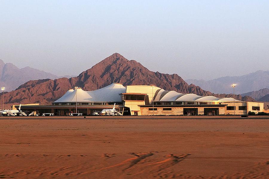 Египетские пограничники требуют с иностранцев 25 долларов США за выезд из страны, Туристам Коломны, США Россия Отдых Израиль аэропорт