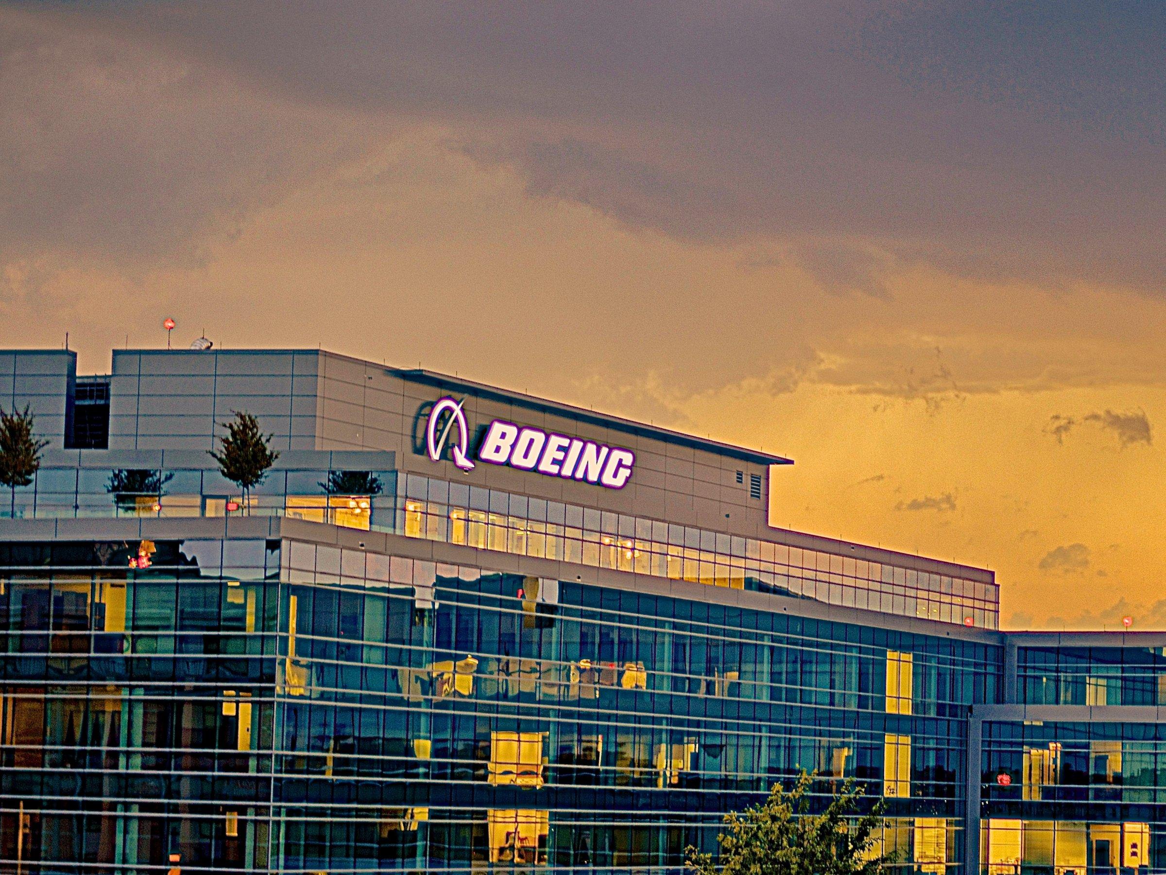 Тучи сгущаются. Нависла реальная угроза разорения корпорации Boeing, Туристам Коломны, США стоит ли ехать самолёт Россия ОАЭ Новая Зеландия Китай Америка