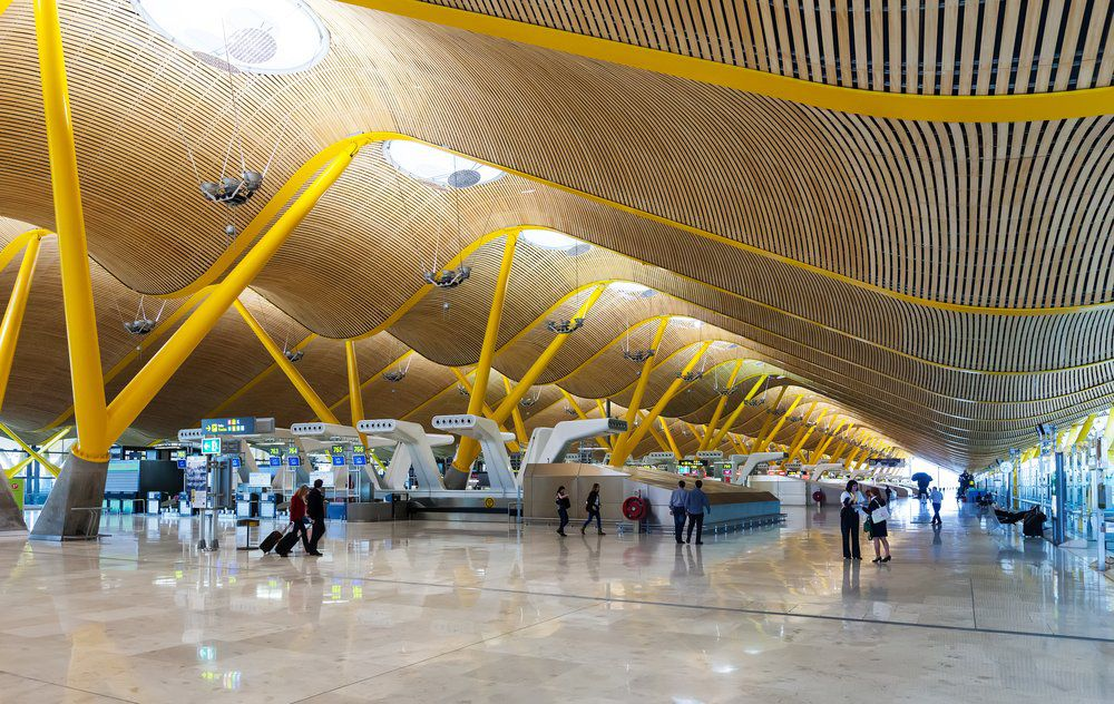 В Испании началась лавина забастовок, которая может привести к срыву отдыха 5 миллионов человек, Туристам Коломны, Мадрид Испания где отдохнуть аэропорт