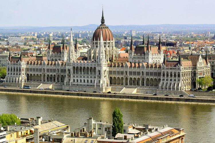 За визой в Будапешт россиянам придется идти к новому оператору, Туристам Коломны, Россия паспорт где отдохнуть