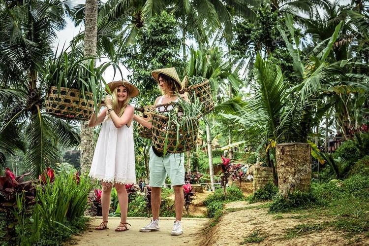 С острова Бали обещали депортировать туристов. Для этого всего лишь нужно…, Туристам Коломны, Чехия стоит ли ехать