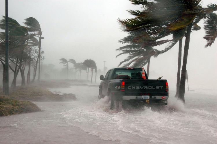 Еще один ураган набирает силу у берегов Флориды и Багам, Туристам Коломны, США стоит ли ехать