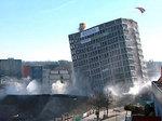 В Мюнхене зевак побаловали взрывом небоскреба