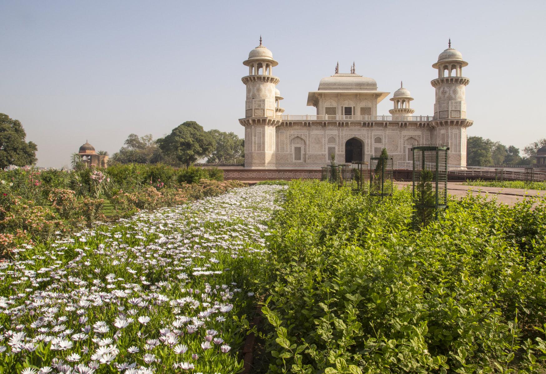 Рядом с Тадж Махалом открылись старинные сады королевской династии, Туристам Коломны, турфирмы реконструкция