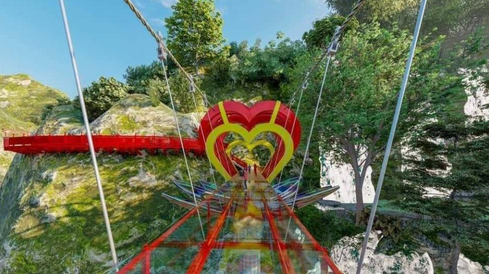 В сети появились первые фотографии нового чуда техники — 5D моста любви во Вьетнаме