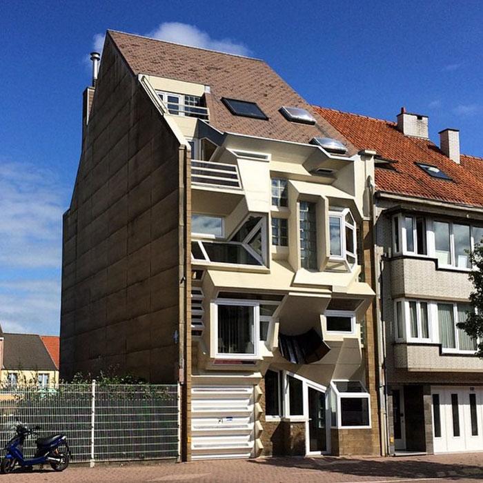 Думаете, только в России строят уродливые здания? Посмотрите, что творят в Бельгии…