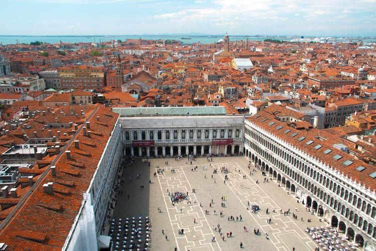 Как в Риме увидеть Папу за работой, а в Венеции — избежать крупных трат и толп туристов