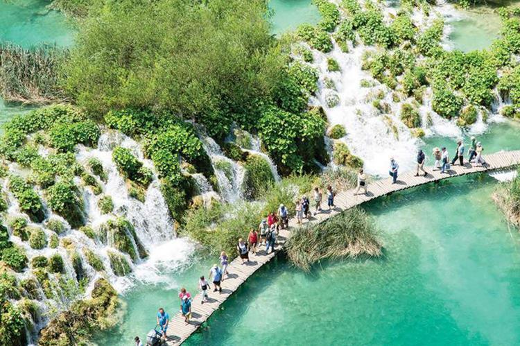 Жители 9 стран рассказали, что не так делают туристы, и почему это их бесит