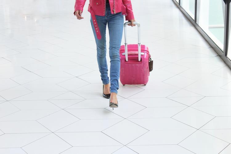 10 вещей, которые не нужно надевать в аэропорт