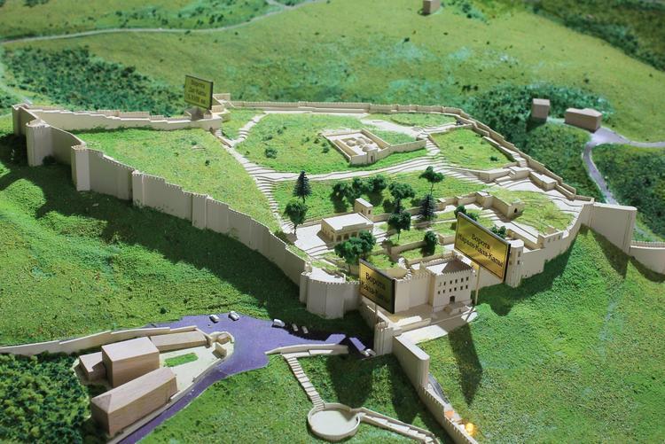 ТОП-5 самых красивых сохранившихся каменных крепостей России