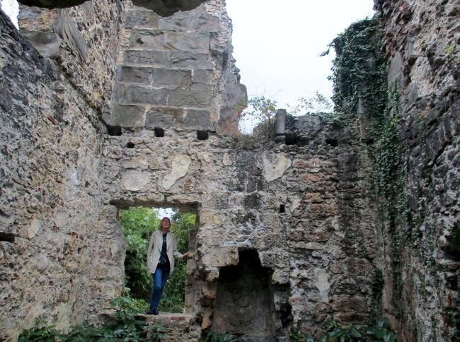 руины древней крепости в Лыхны