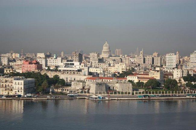 вид на Гавану через залив