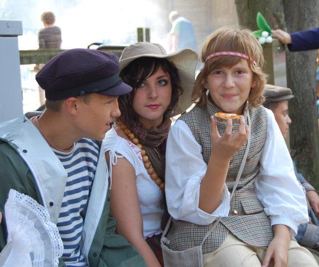 Молодые театралы приняли активное участие в празднике