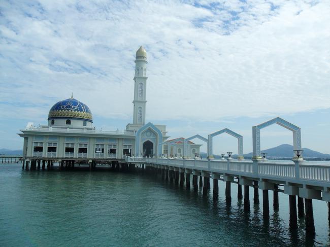 мечеть на сваях