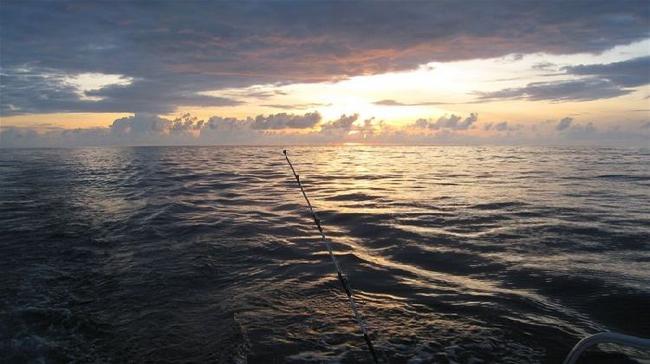 Рассвет на рыбалке