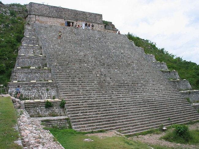Пирамида Карлика