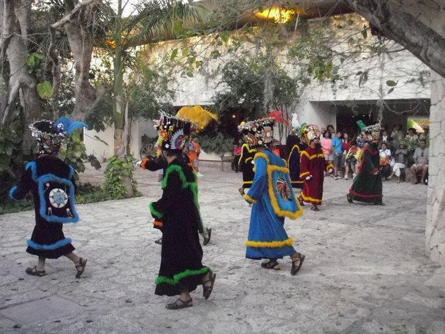 Танцы духов (Шкарет)