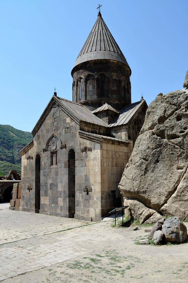 христианский монастырь