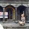 У храма Шивы