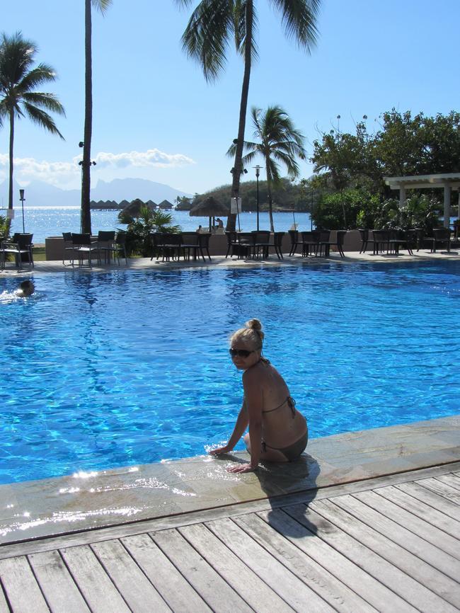 Софитель Таити, бассейн