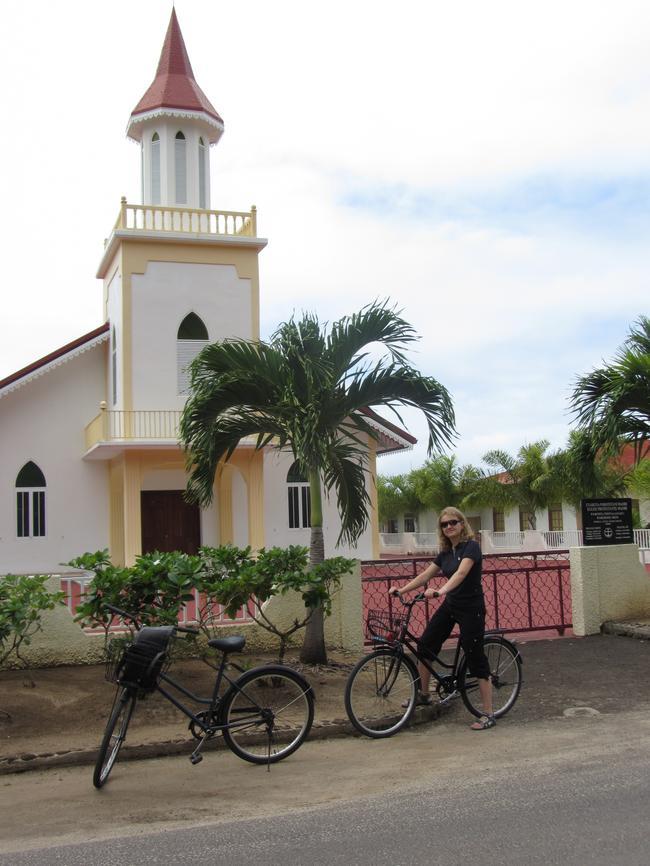Церковь на о. Бора-Бора