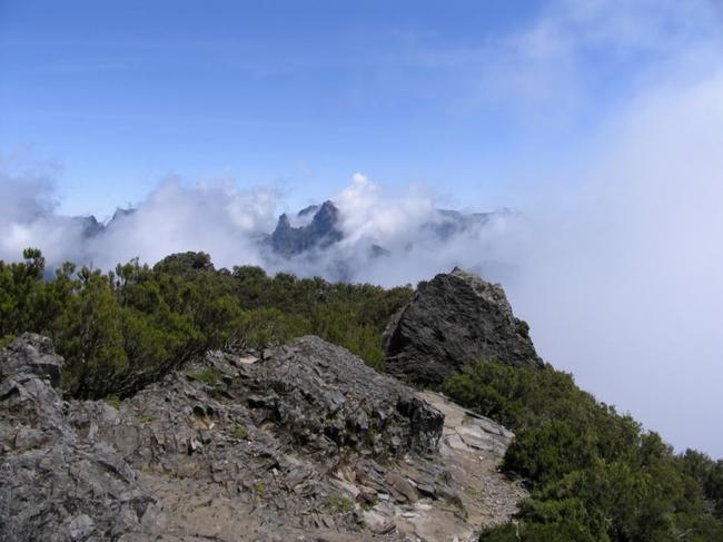 Тропа от Pico Ruivo до Encumeada