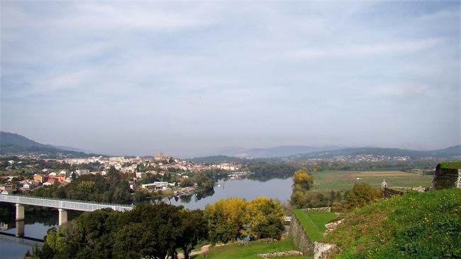На другой стороне реки Минью - Испания