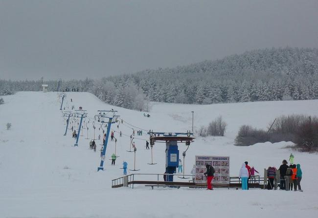 Хвалынский горнолыжный курорт. Подъемник на учебную трассу