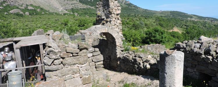Крепость Фуна.